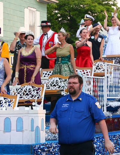 Beauty Queens in the Manitou Days Grand Parade